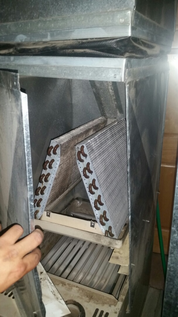Hanover, MN - Diagnosed plugged evaporator coil in Hanover