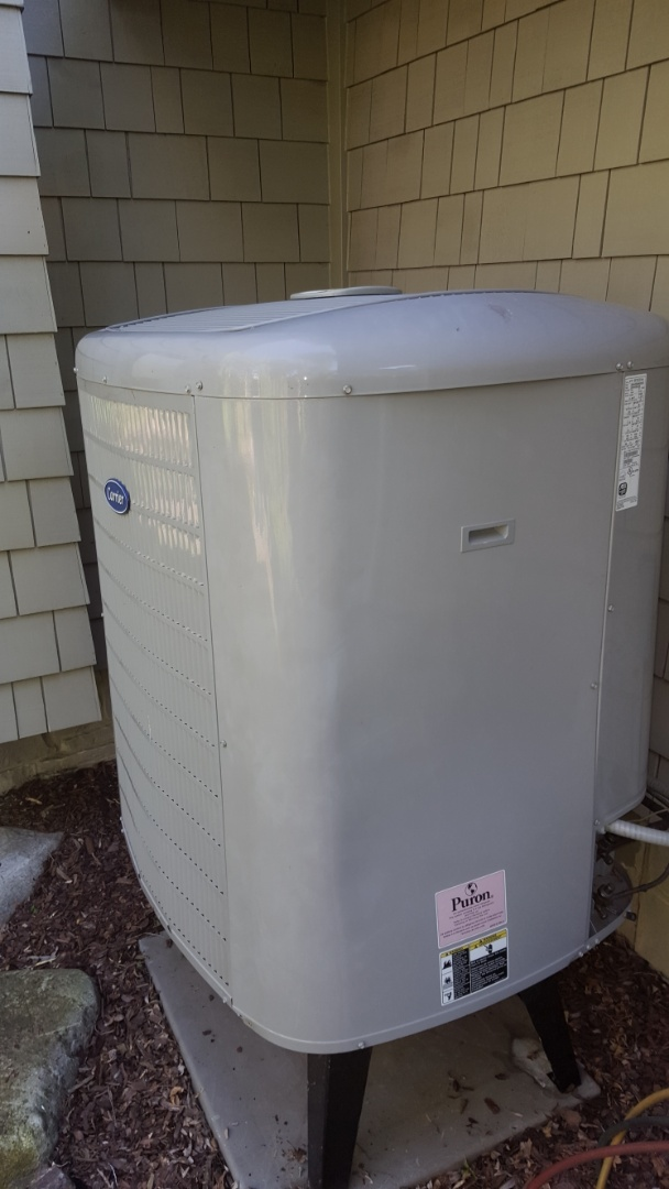 Minneapolis, MN - Air conditioner service. Installed a TXV on a Carrier heat pump.
