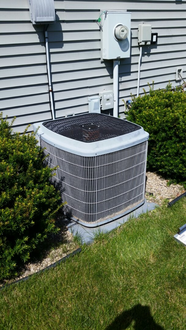 Saint Michael, MN - Found a bad capacitor on AC not running compressor. Replaced capacitor and returned cooling.