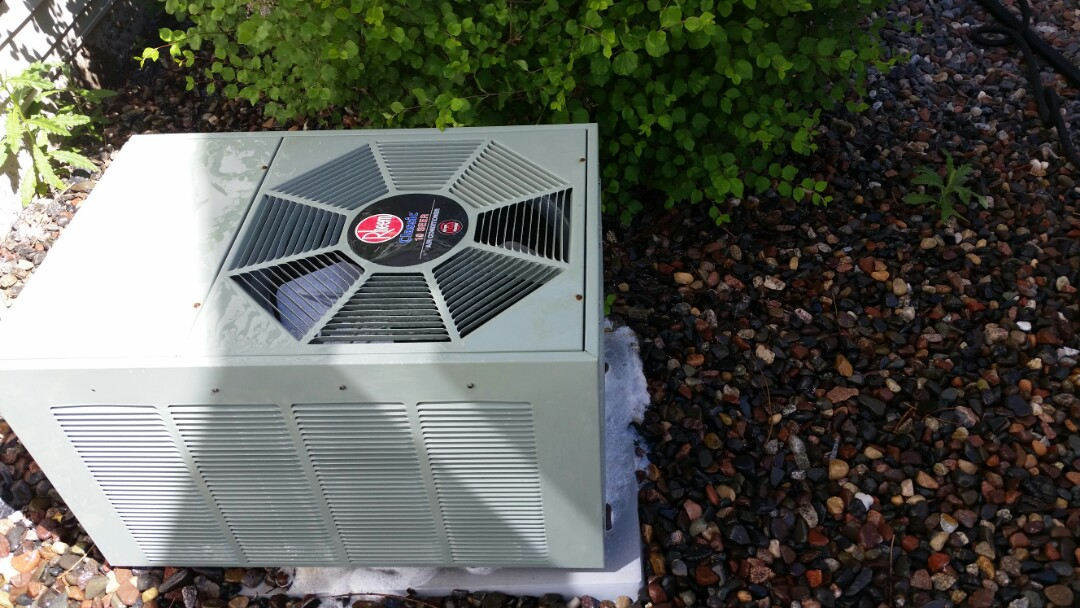 Maple Grove, MN - A/C low on charge. Added leak sealant and refrigerant in Maple Grove