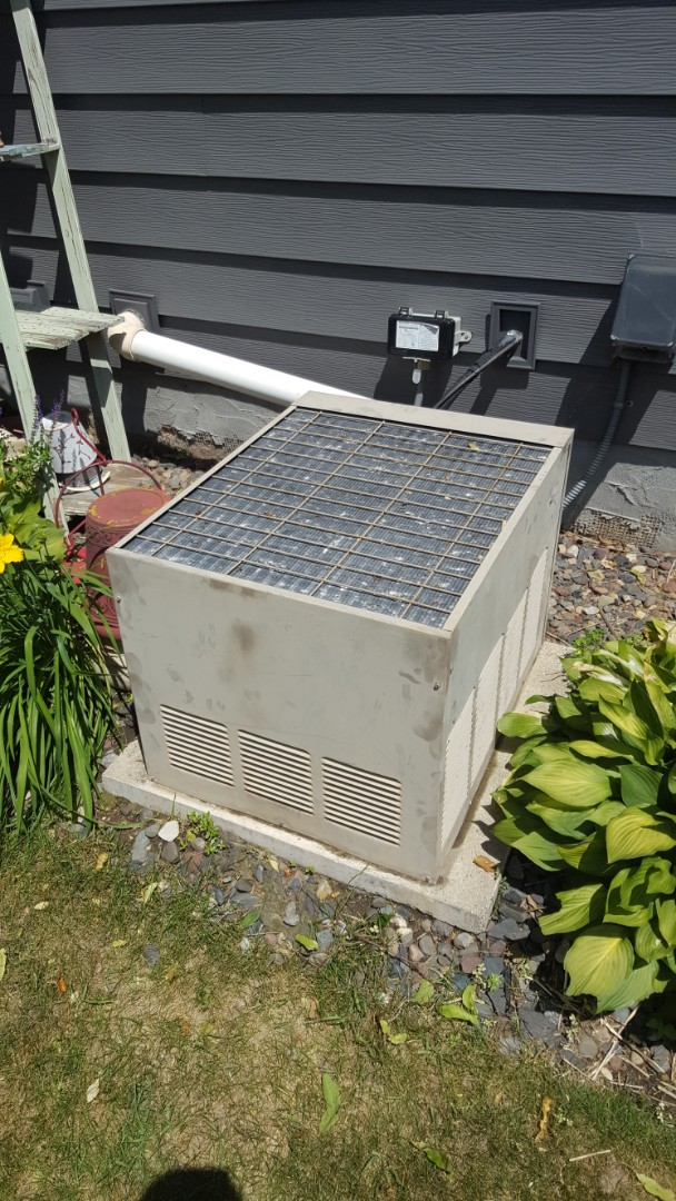 Plymouth, MN - AC service. Diagnosed a failed fan motor and capacitor on a Magic Chef air conditioner.