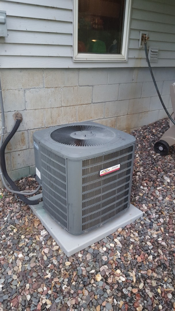 Corcoran, MN - A/C service. Installed Easy Seal, locking refrigerant caps, and R410a refrigerant on a Comfort Matters air conditioner.