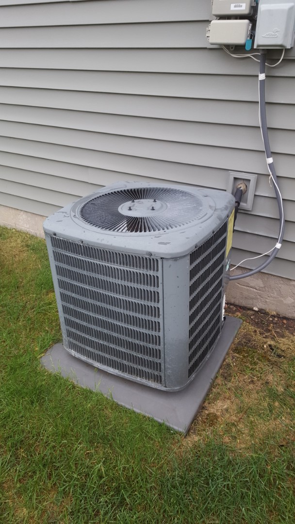 Maple Grove, MN - Air conditioner service. Diagnosed and repaired a minor electrical issue with a Goodman A.C.