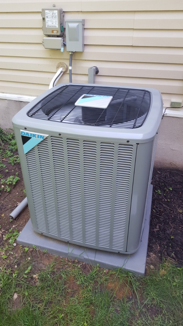 Buffalo, MN - Air conditioner service. Installed a TXV and AC Renew on a Daikin A/C.