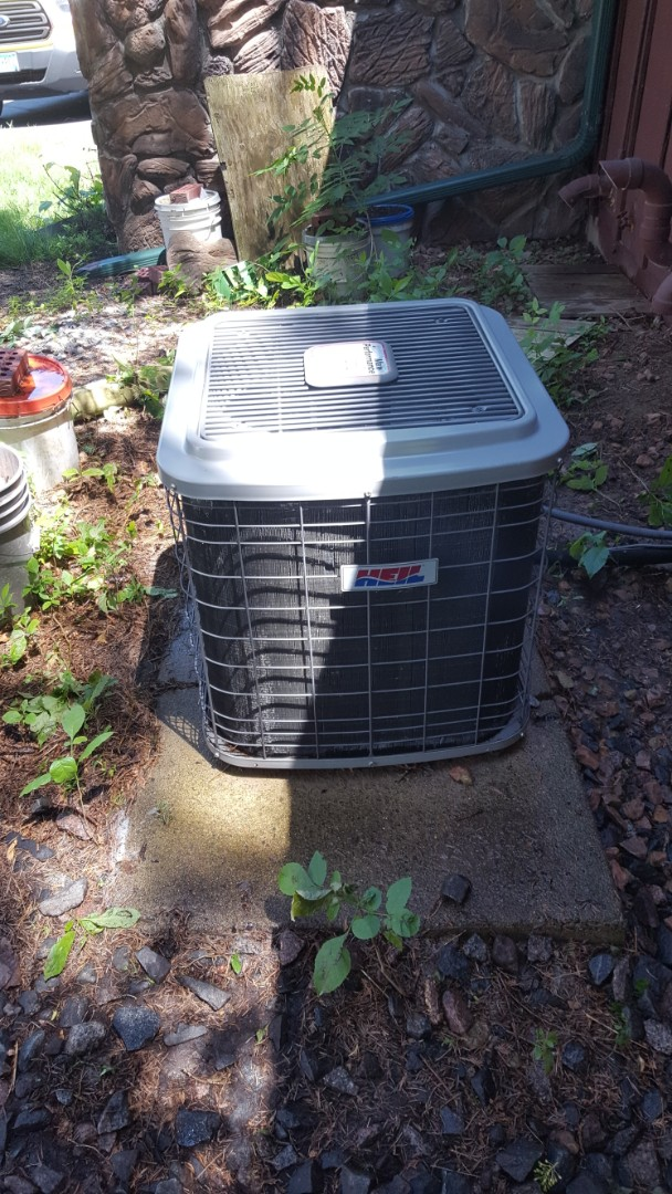 Rogers, MN - Air conditioning maintenance. Performed a cleaning and tune up on Heil air conditioner.