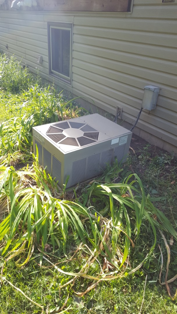 Hanover, MN - AC service. Installed a capacitor and contactor on a Rheem air conditioner. Also performed a cleaning and tune up.