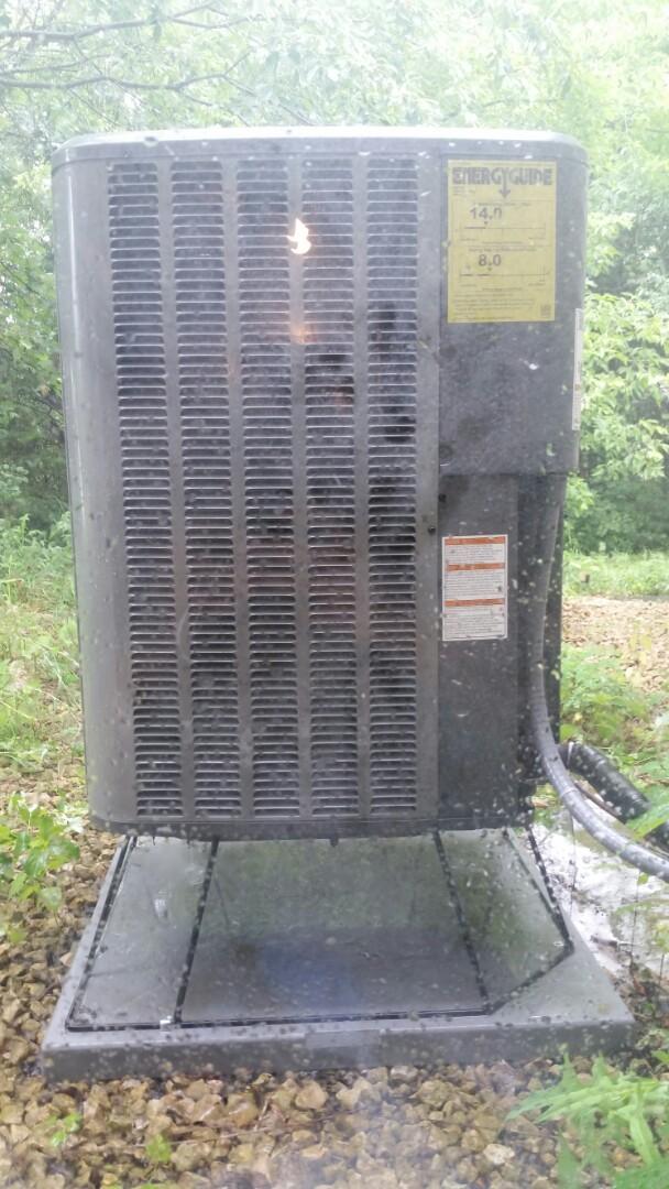 Corcoran, MN - Heat pump maintenance on Amana unit in Corcoran