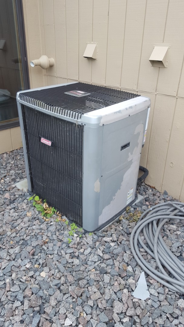 Osseo, MN - Air conditioning service. Diagnosed a bad TXV on a Coleman AC.