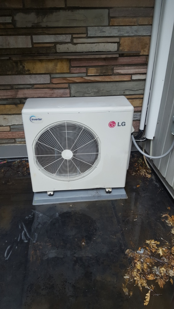 Osseo, MN - Air conditioner service. Performed a cleaning and tune up on a LG mini split heat pump. Also installed R410a refrigerant.