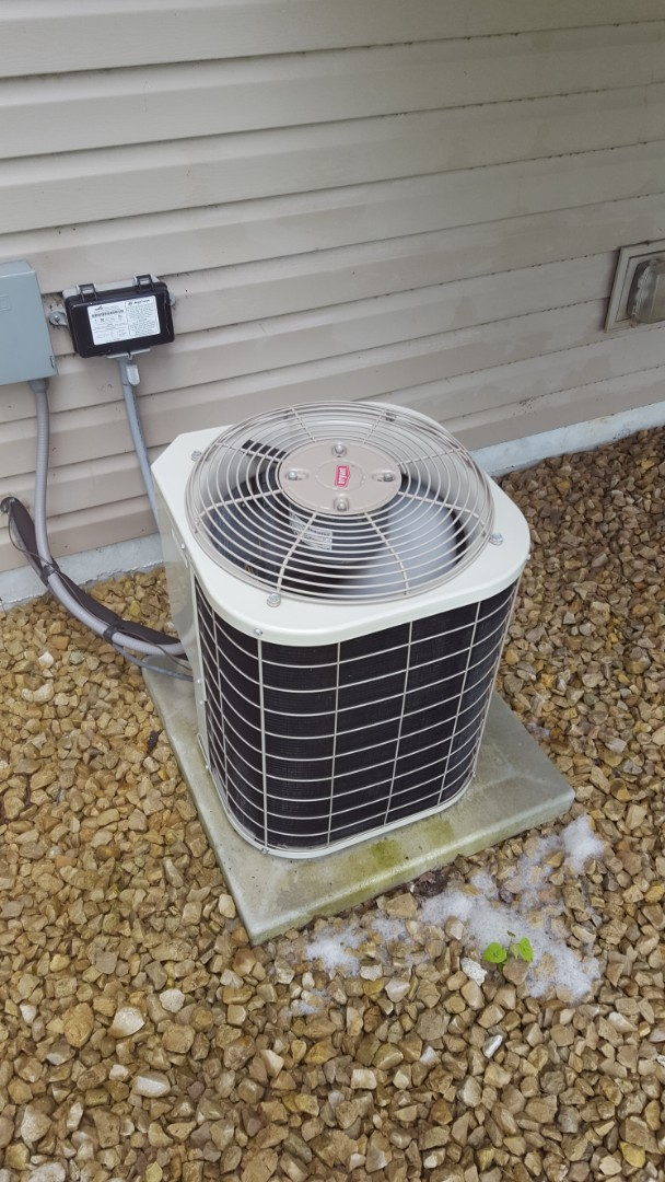 Plymouth, MN - AC service. Installed a 20A fuse and performed a cleaning and tune up on a Bryant air conditioner.