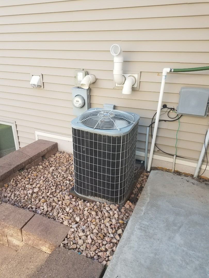 Otsego, MN - Carrier air conditioner not cooling. Found power supply on unit popped, replace and got customer cold air