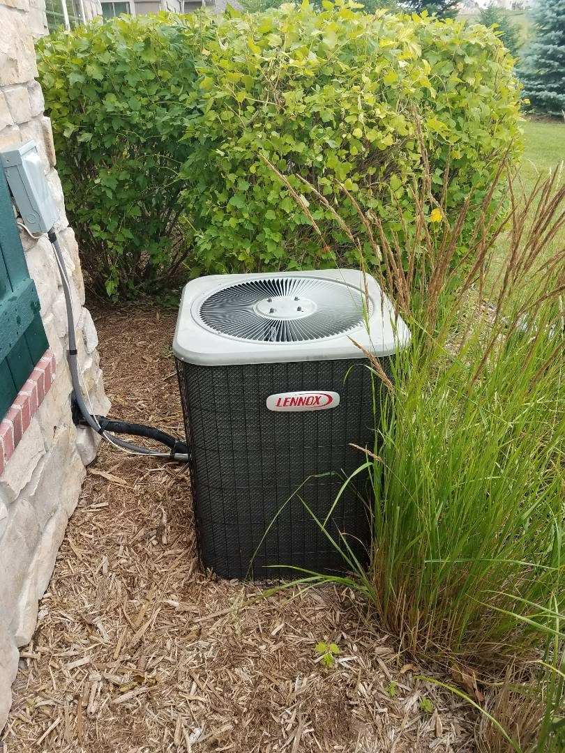 Rogers, MN - Lennox air conditioner not cooling. Found bad starter and motor booster