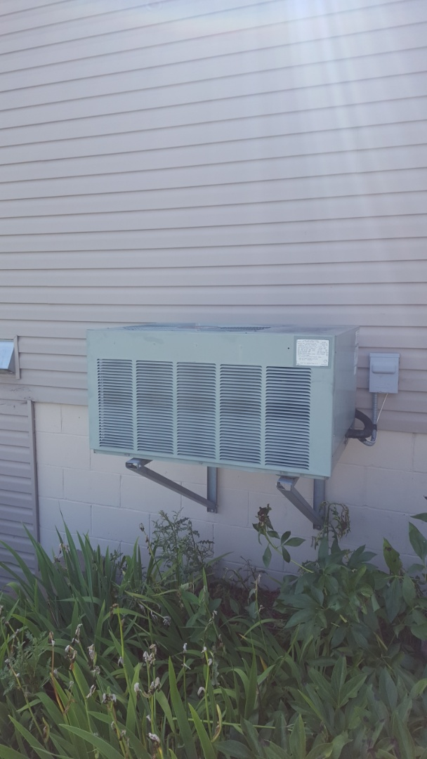 Elk River, MN - Air conditioning service. Installed a contactor and capacitor on a Ruud air conditioner.