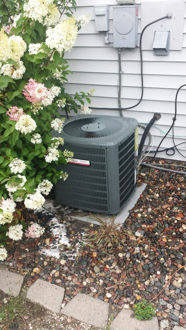 Big Lake, MN - A/C clean and tune up on Goodman unit in Becker