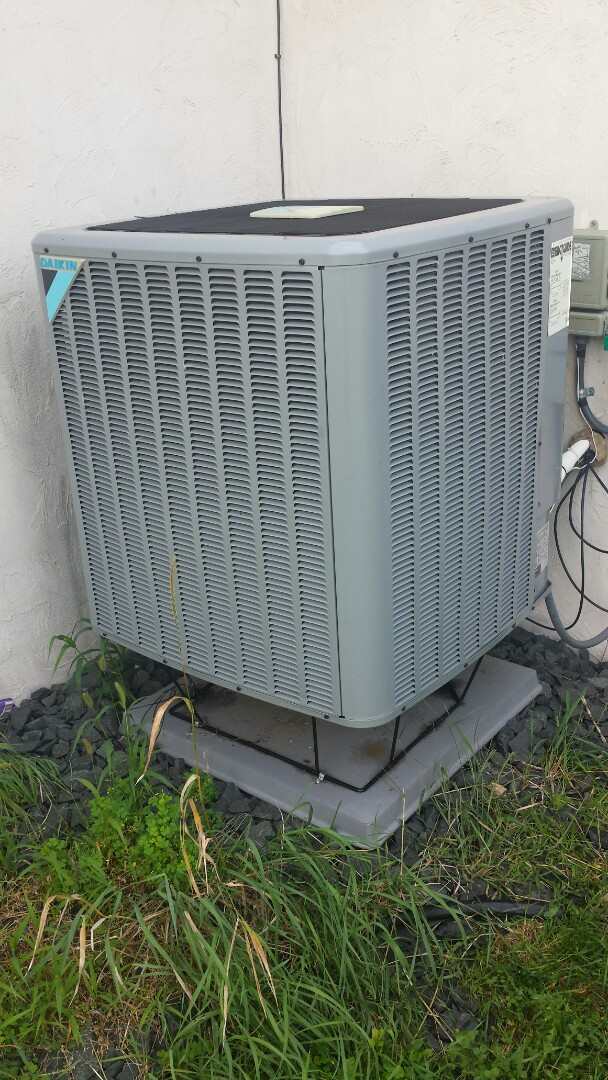 Independence, MN - Heat pump tune up on Daikin unit in Independence