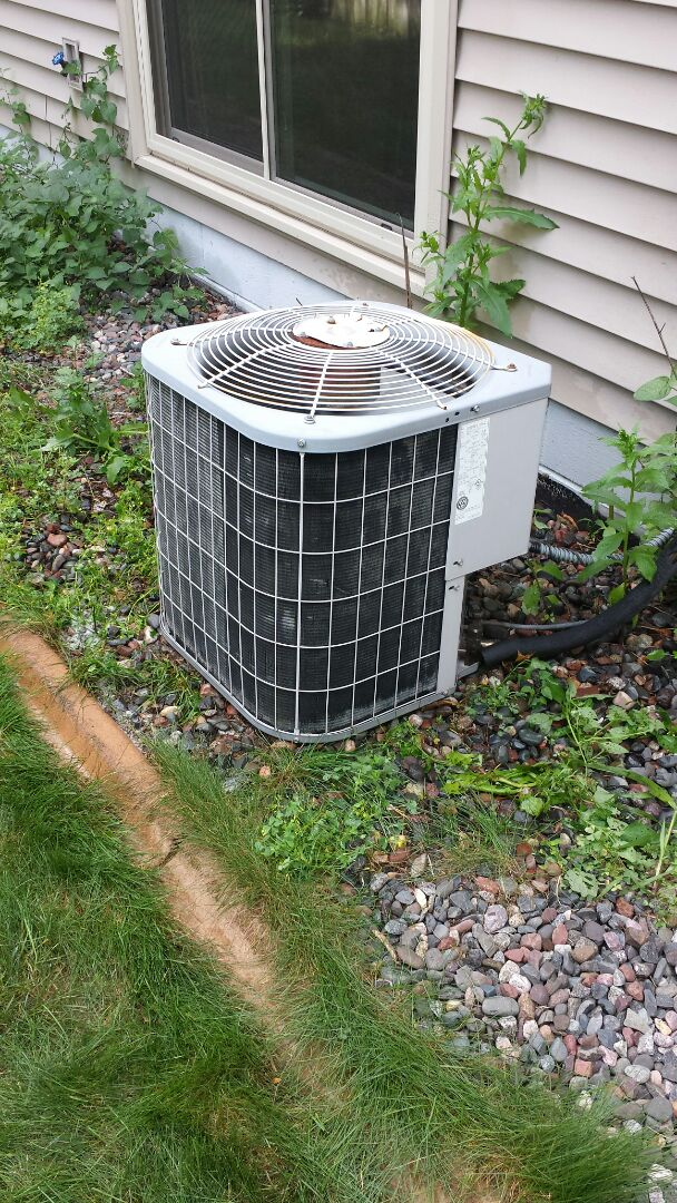 Elk River, MN - Found system low on charge. Recommended repair option or replacement.