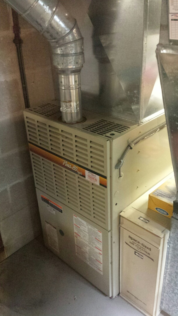 Wayzata, MN - Furnace tune up on 80% Bryant unit in Wayzata