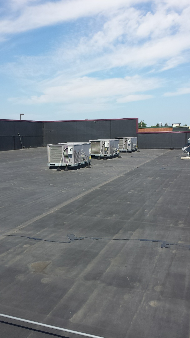 Rogers, MN - Replaced Roof top unit filters on commercial building in albertville.