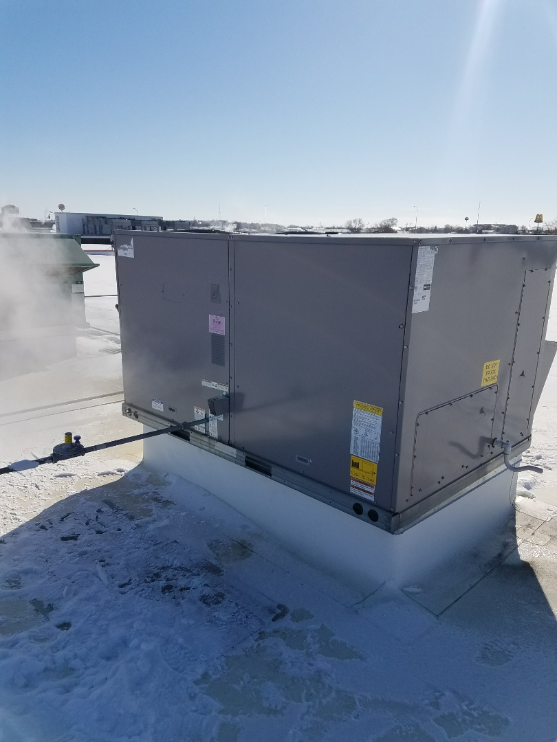 Monticello, MN - Commercial roof top service. Installed a Maxitrol gas regulator and an Economizer filter on a Bryant RTU.