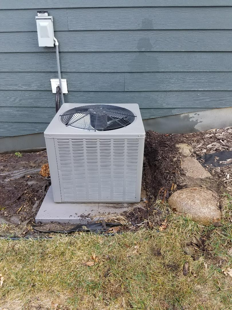 Plymouth, MN - A/C tune up and cleaning on Ruud condensing unit in Plymouth