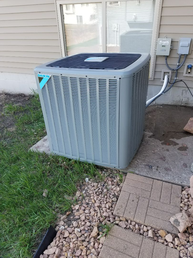 Hanover, MN - A/C start up on Daikin condensing unit in Hanover