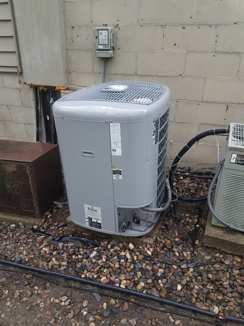 Eden Prairie, MN - A.C. maintenance. Performed a cleaning and tune up on a Carrier air conditioner. Also installed R410a refrigerant.