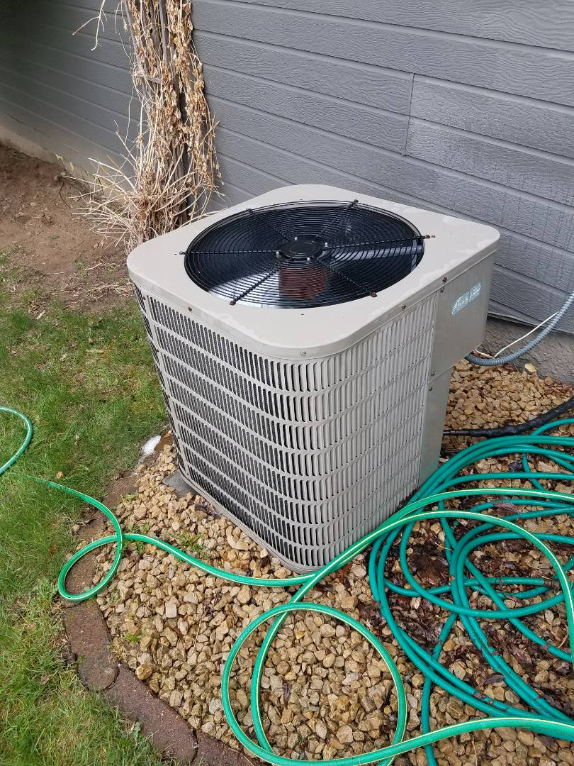 Saint Michael, MN - A/C no cooling, found contactor on unit had failed. Replaced contactor, cleaned condensing unit, and performed tune up on Goodman a/c in St michael