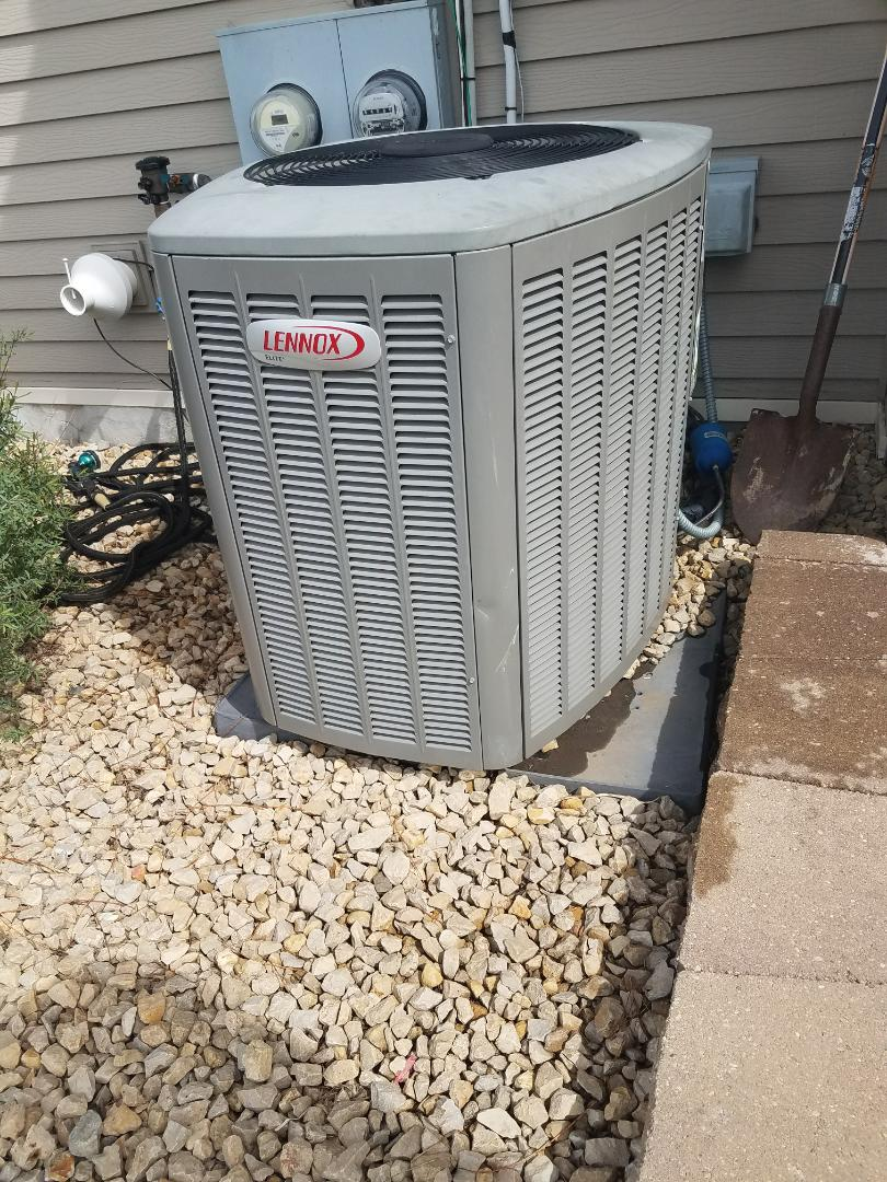 Buffalo, MN - Air conditioner cleaning and tune up on a Lennox