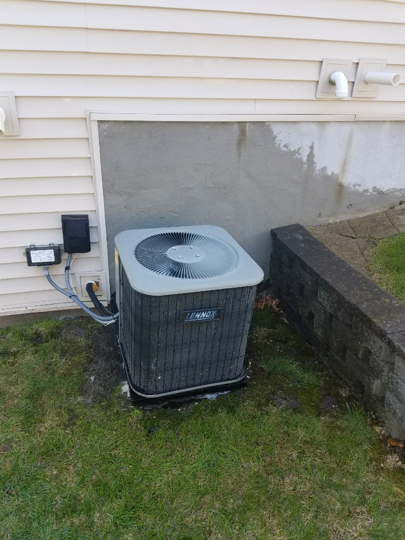 Saint Michael, MN - Ac service. Installed a motor booster and performed a cleaning and tune up on a Lennox air conditioner.