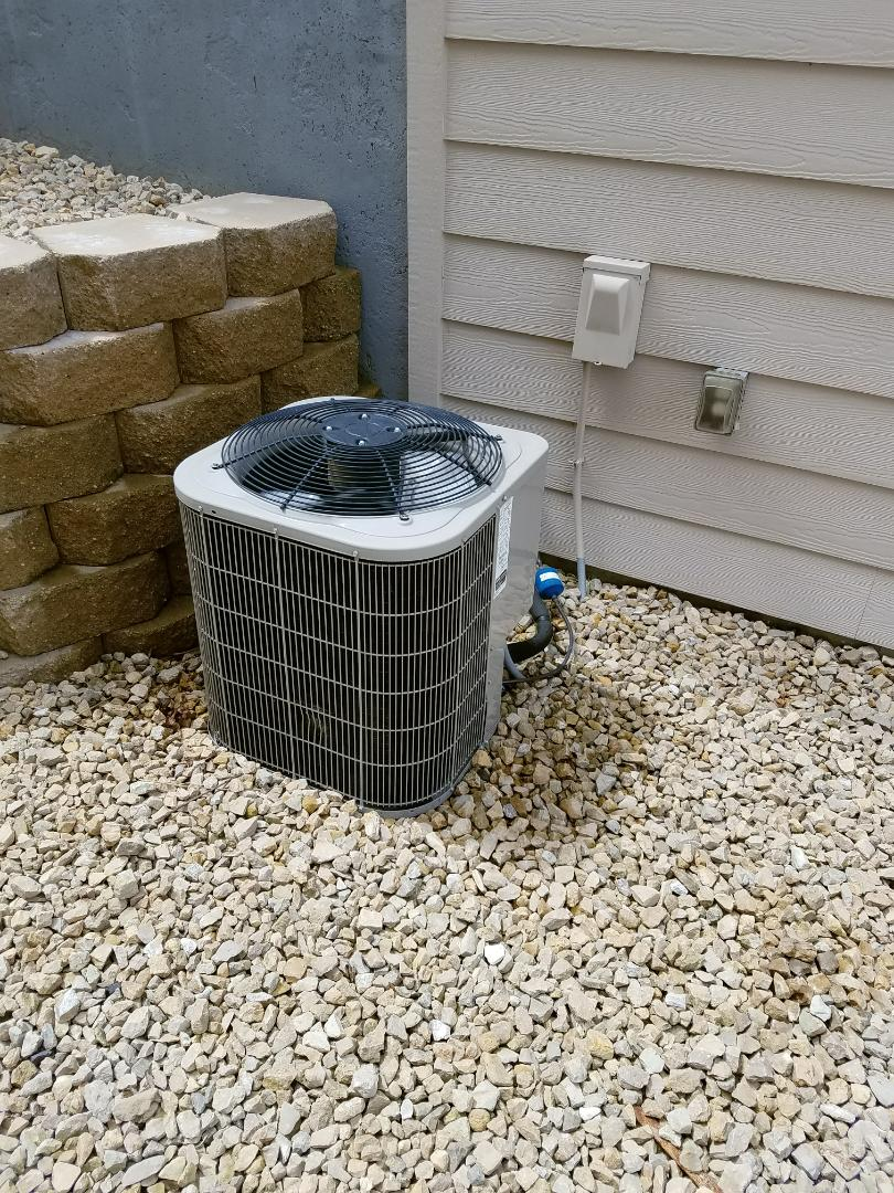 Loretto, MN - Bryant ac low on charge, balance and install leak prevent kit