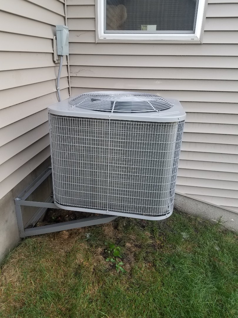 Rogers, MN - Perfomed tune up and cleaning on Carrier AC