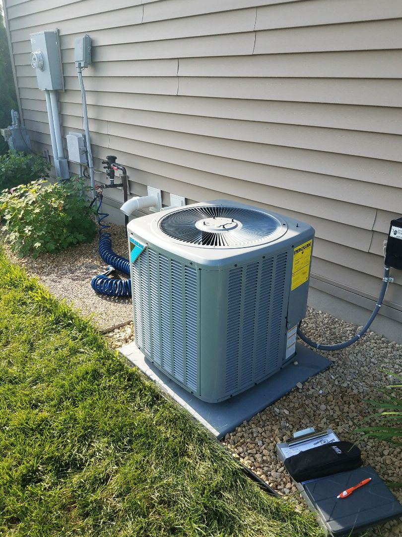 Plymouth, MN - A/C tune up on Daikin condensing unit in plymouth