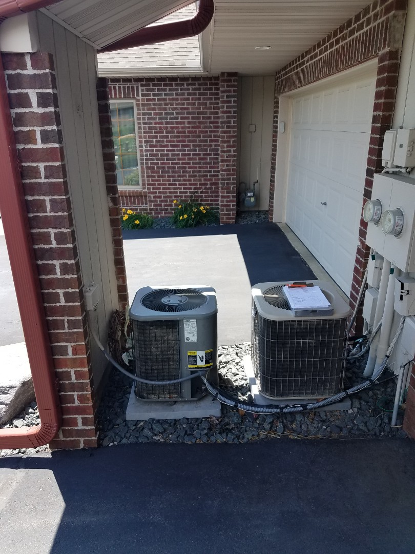 Saint Michael, MN - Air conditioning service. Diagnosed a Lennox AC low on refrigerant.