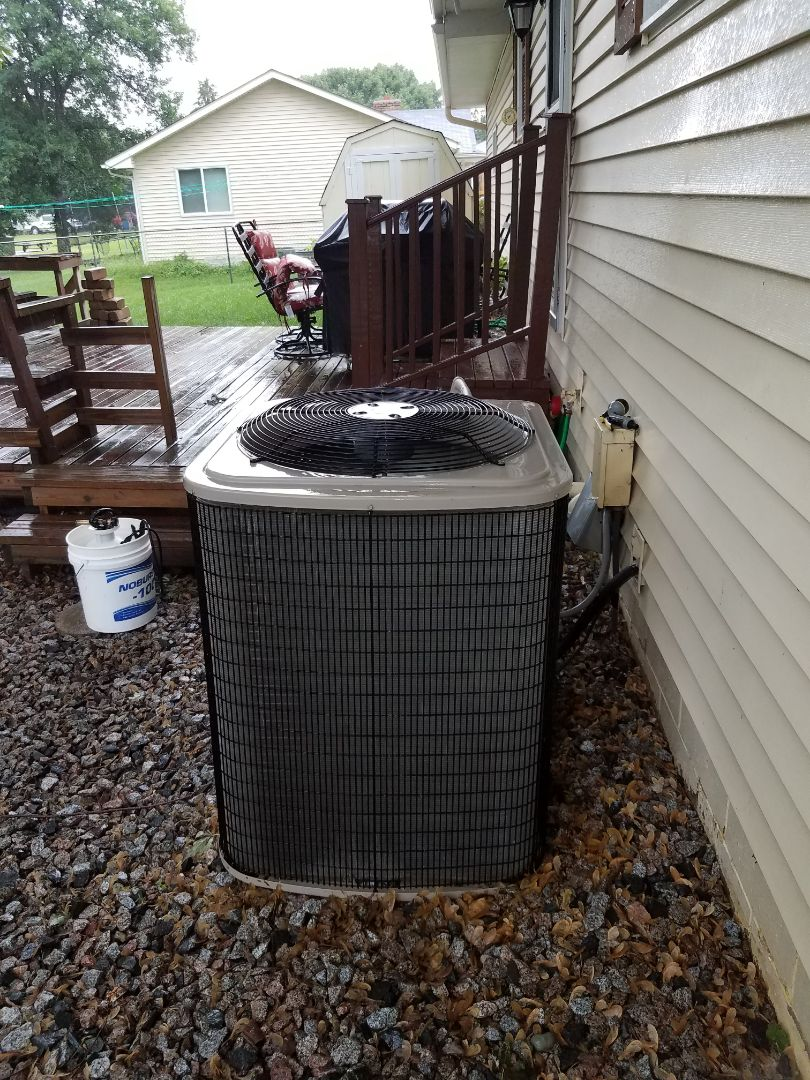 Albertville, MN - A/C tune up and clean on Payne condensing unit in Albertville