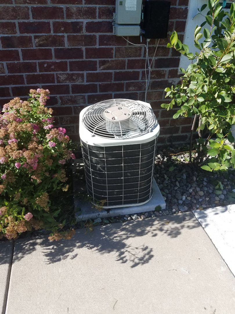 Maple Grove, MN - Air conditioning service. Performed a cleaning and tune up on a Bryant AC. Also installed a motor booster and motor starter. Pulled and cleaned the blower wheel on a Bryant furnace.