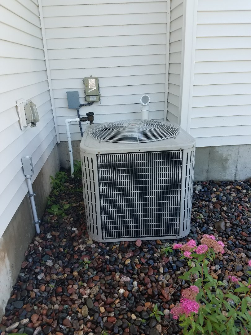 Minneapolis, MN - A/C no cooling in Brooklyn park. Found bad capacitor in unit. Replaced and returned cooling operation