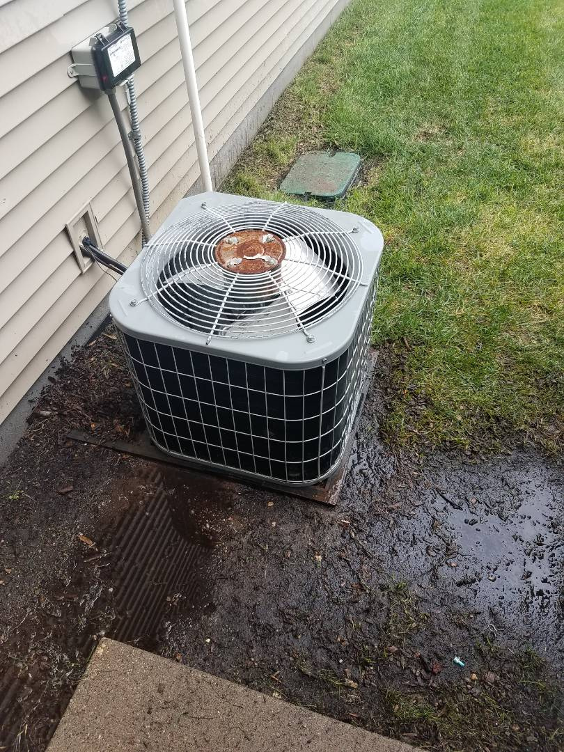 Hanover, MN - A/C tune up and clean on carrier unit in Hanover