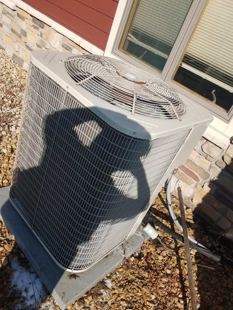 Loretto, MN - A/C tune up and clean on Payne unit in Greenfield