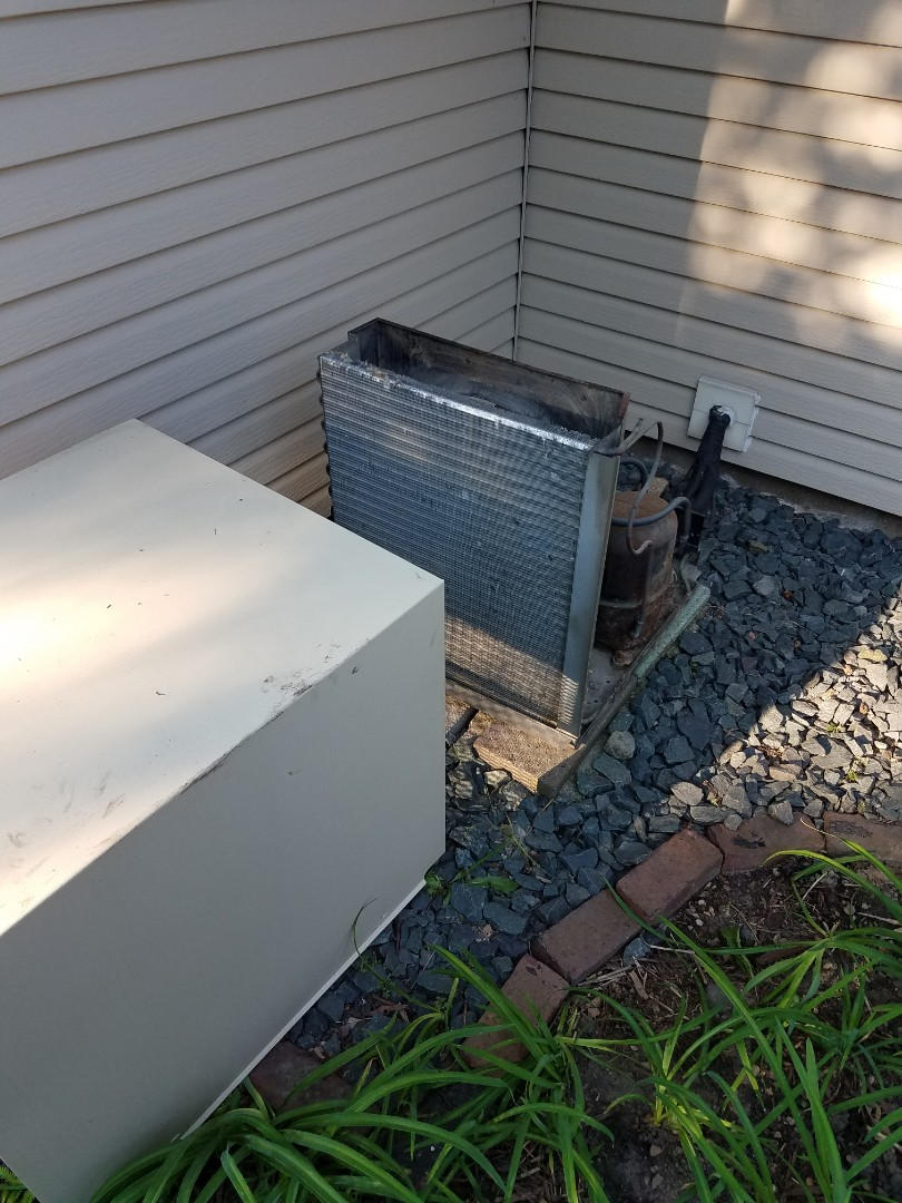 Saint Louis Park, MN - Air conditioning tune up and cleaning on McGraw Edison air conditioner