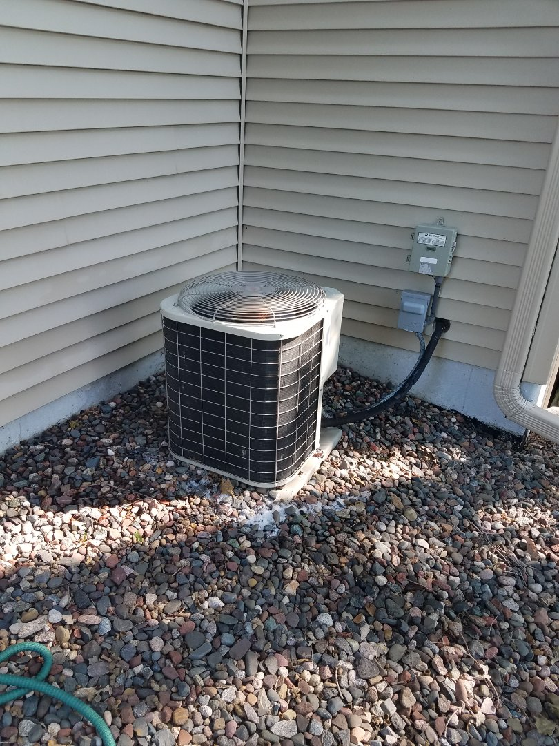 Hanover, MN - Air conditioner cleaning and tune up on a Bryant