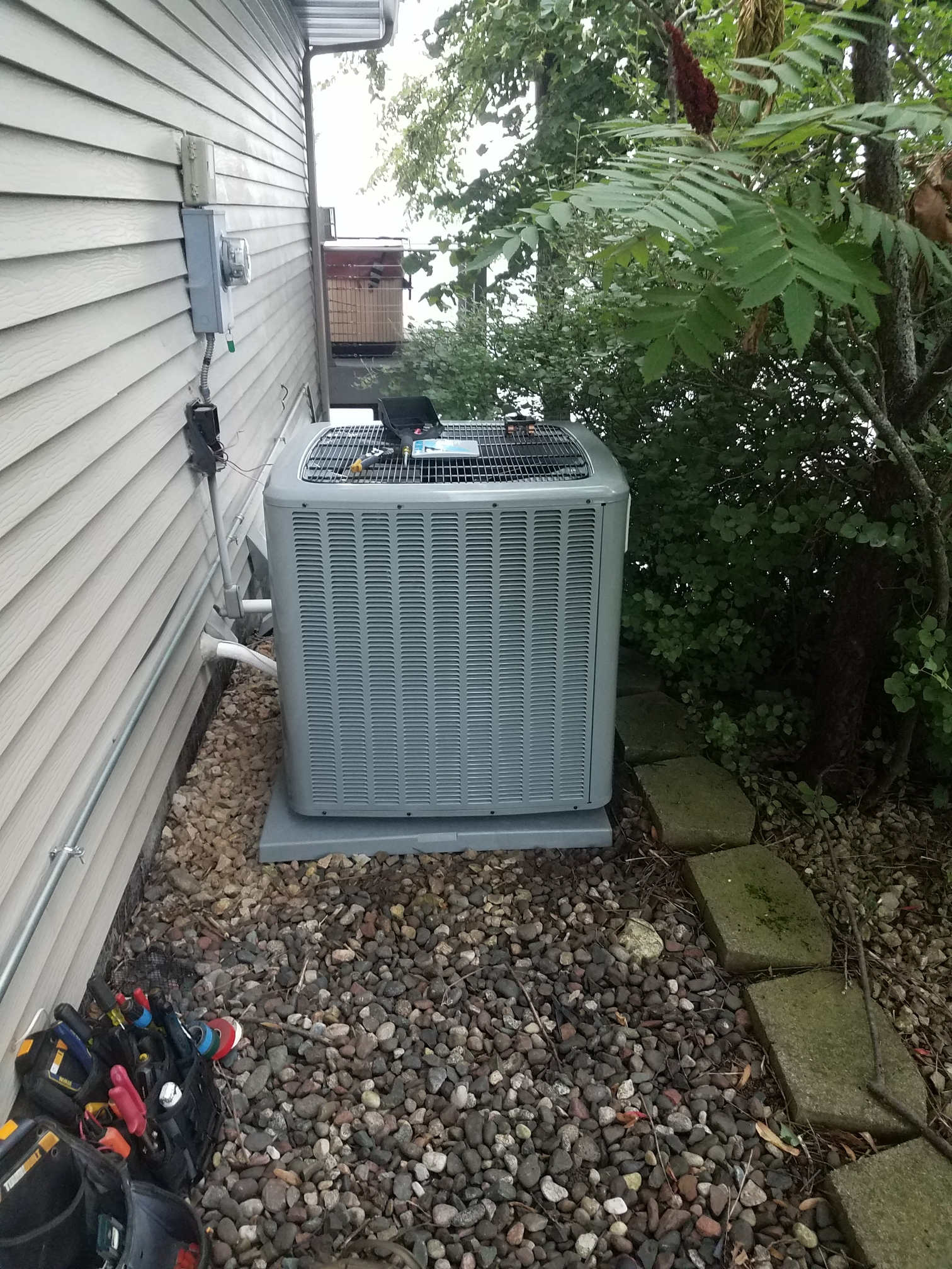 Maple Grove, MN - Install Daikin furnace and air conditioner