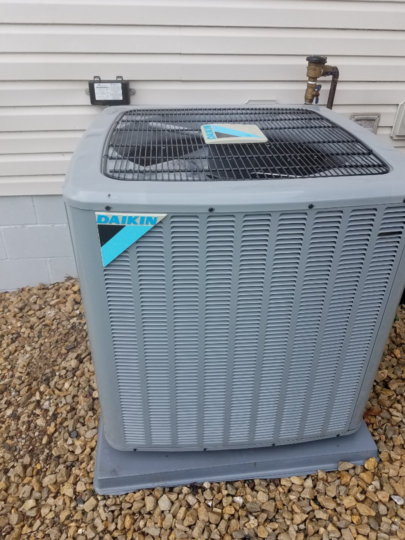Saint Michael, MN - Air conditioning tune up and cleaning on daikin air conditioner