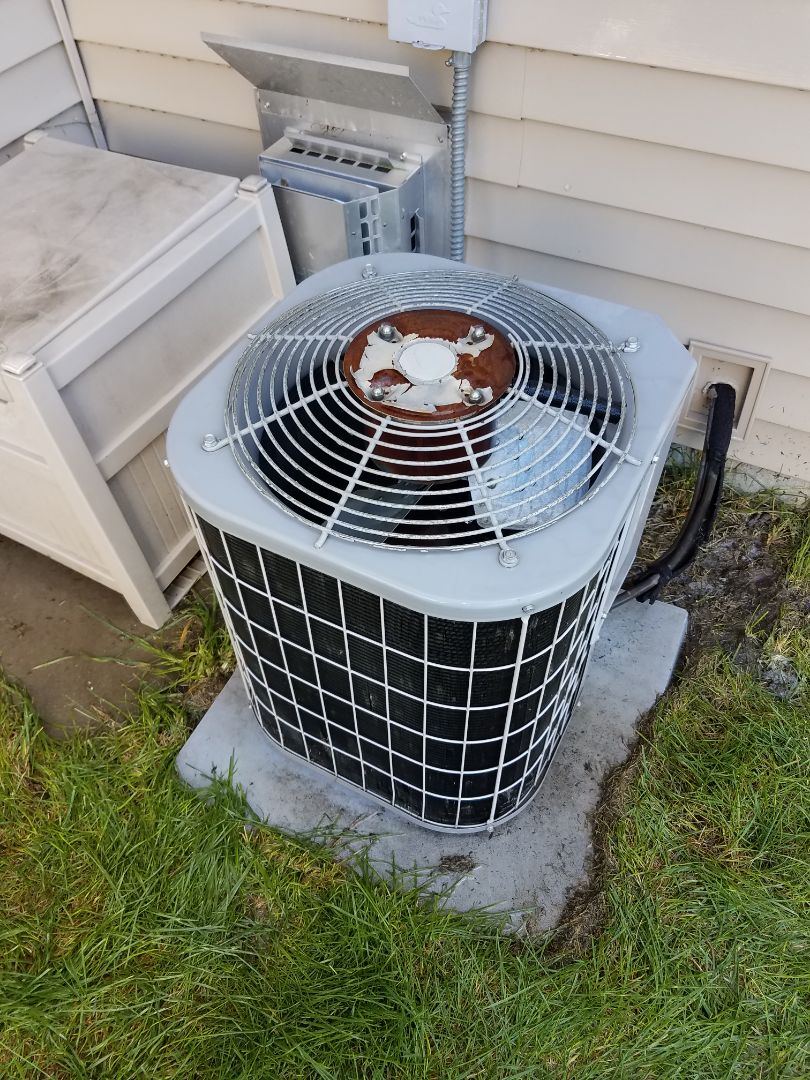 Hanover, MN - Air conditioning tune up and cleaning on carrier air conditioner