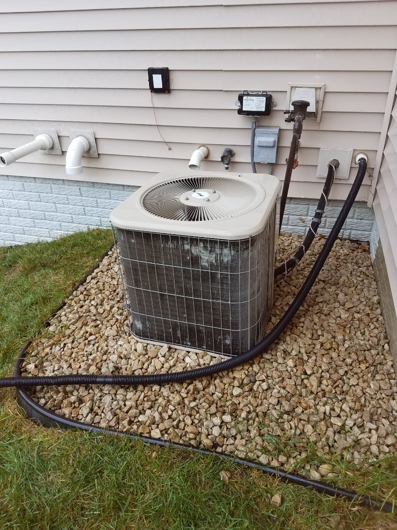 Coon Rapids, MN - Air conditioning tune up and cleaning on Lennox air conditioner