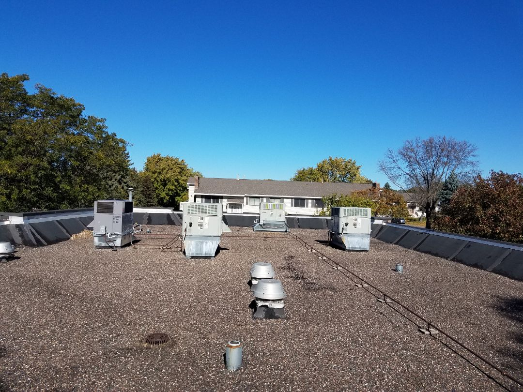 Coon Rapids, MN - Commercial fall maintenance on 6 roof top units in Coon Rapids