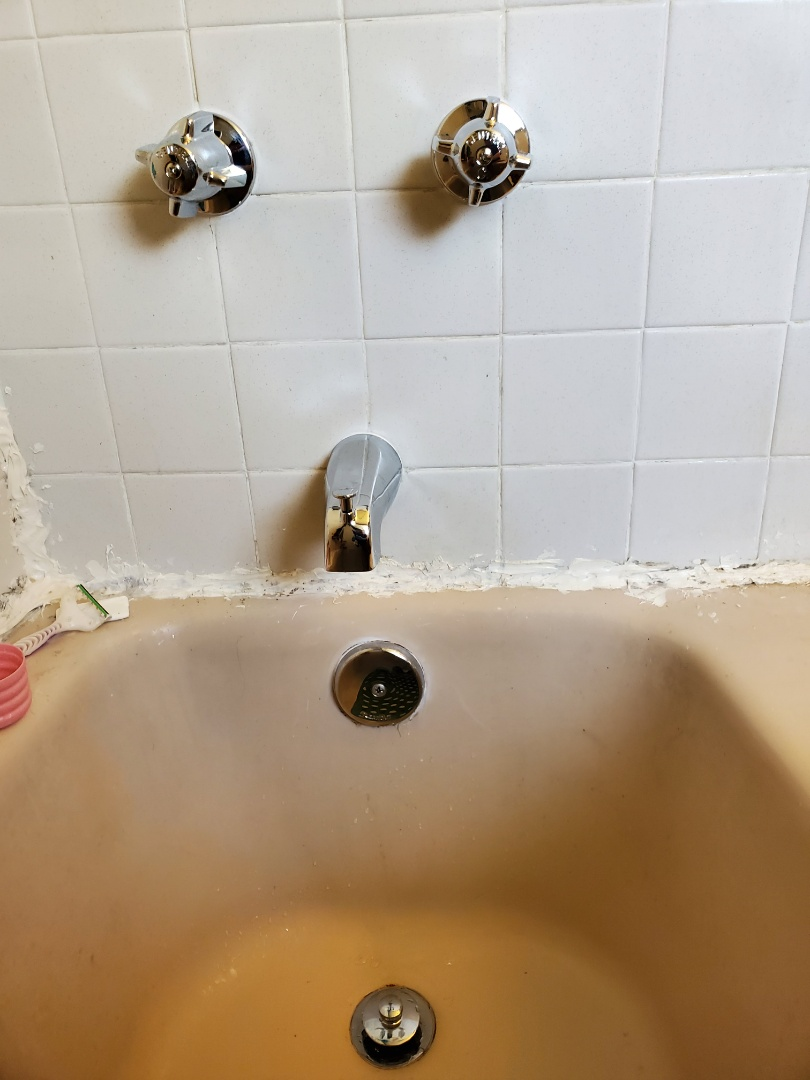 Sellersburg, IN - tub and showe replacement and tub drain