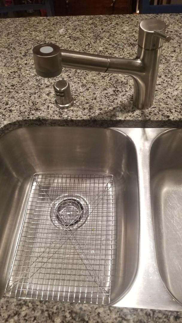 Louisville, KY - New kitchen sink faucet installation