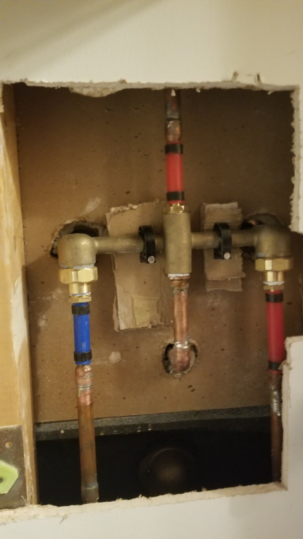 New central brass tub and shower faucets