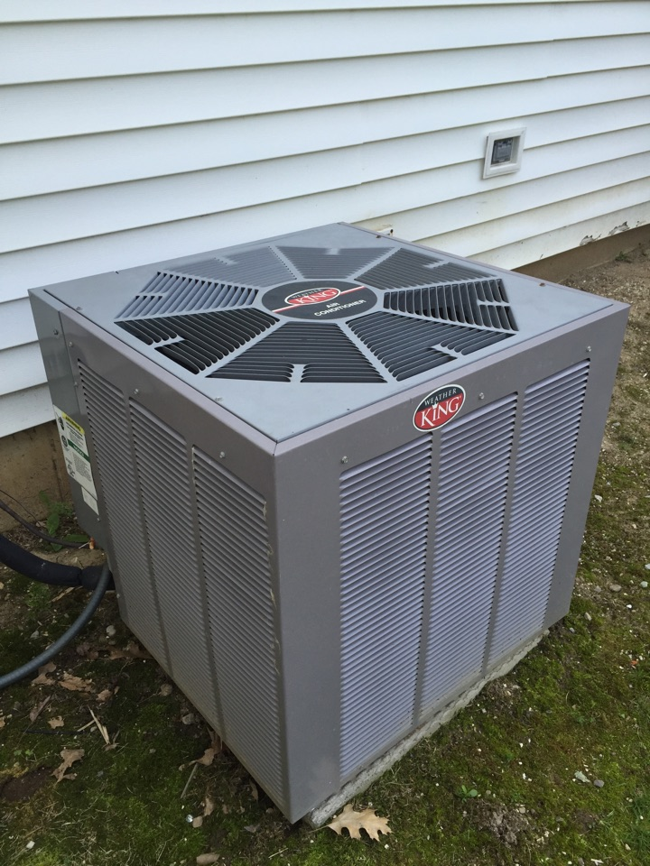 Clinton, MI - Service repair to Weatherking air conditioner.