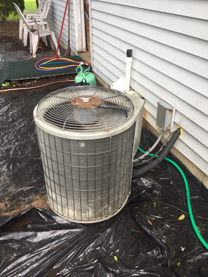 Dexter, MI - Service and repair on a Bryant air conditioner.